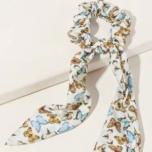 Accessories - Butterfly scrunching scarf